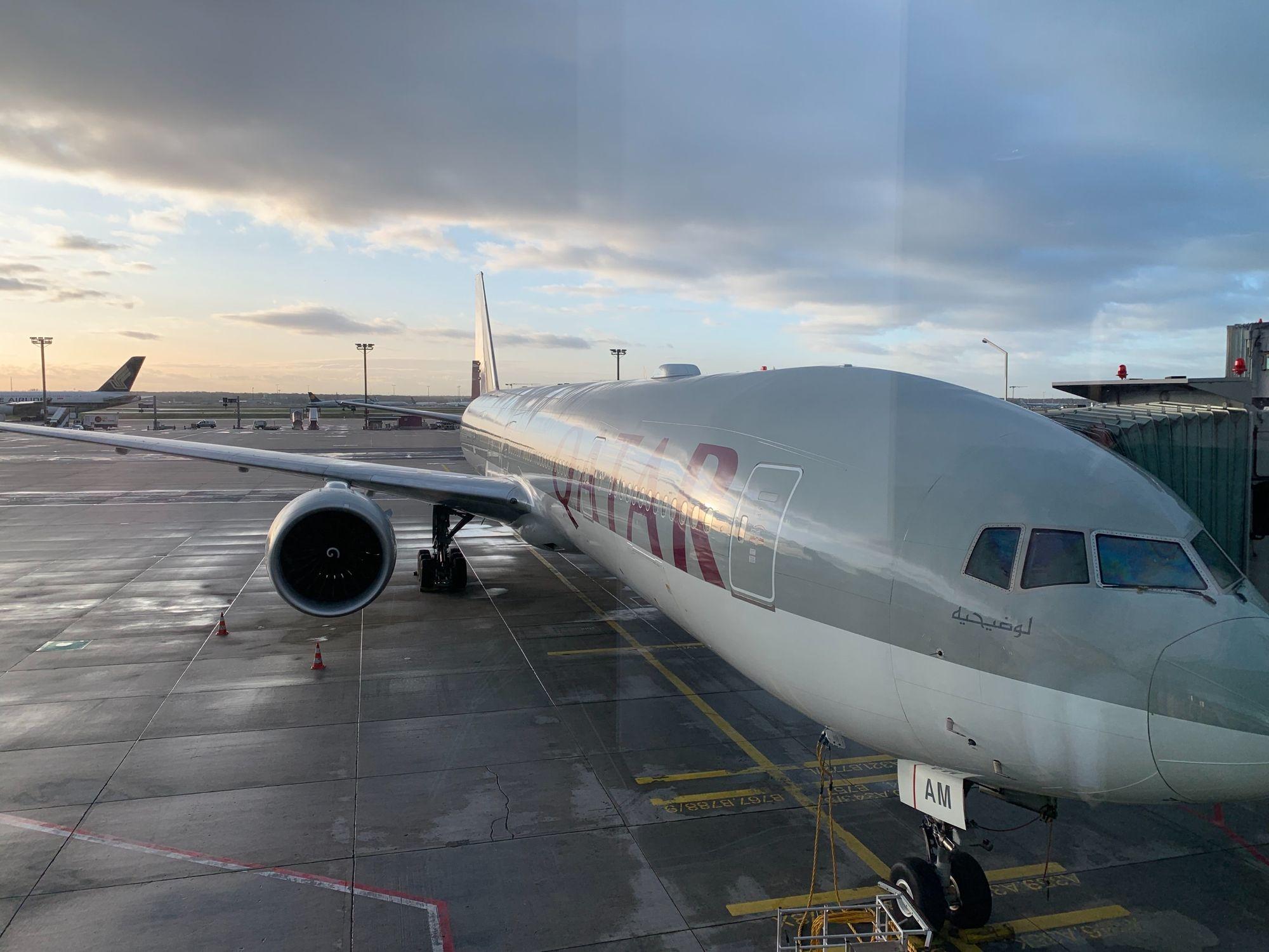 Boeing 777-300 ER am Frankfurter Flughafen nach Doha
